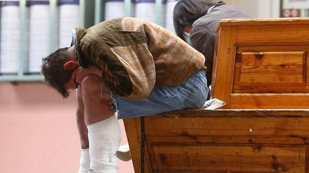 Není dne, kdy by na hlavním nádraží nebyli bezdomovci