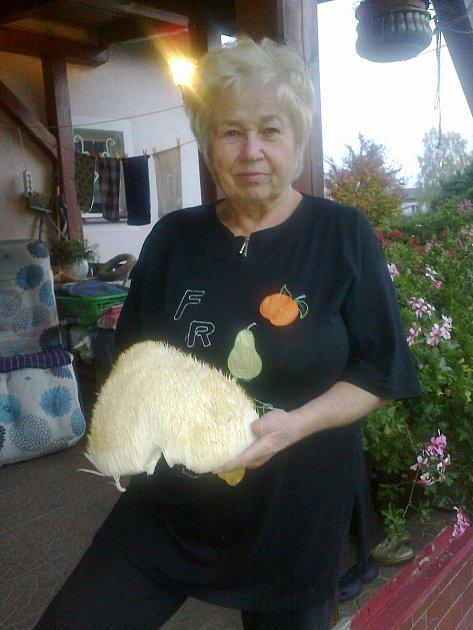 Zdeňka Marešová a korálovec ježatý.