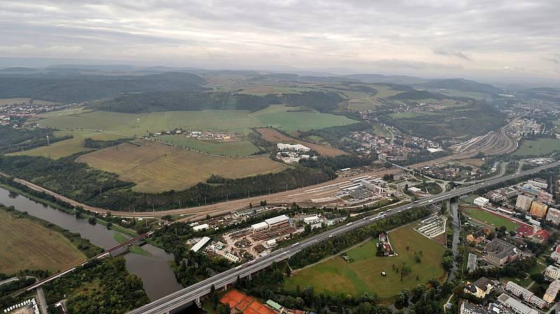 Z letu vzducholodi Zeppelin z Prahy do Plzně.