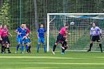 TJ Zruč (modří) - FK Nepomuk (růžové dresy) 0:3.
