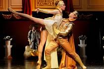 Hana Čakarmišová  a Martin Šinták při zkoušce nového baletu Sen noci svatojánské, který bude mít premiéru tuto sobotu na scéně plzeňského Komorního divadla