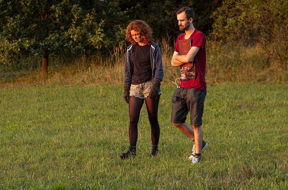 Pavel Bartovský s Martinou Babišovou během natáčení.