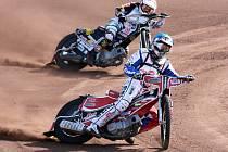 Matěj Kůs (vpředu) vybojoval ve třetím závodě mistrovství ČR druhé místo, které mu zajistilo v konečném pořadí seriálu již popáté v kariéře bronzovou medaili.