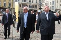 Hejtman Milan Chovanec (vpravo) v červnu při návštěvě prezidenta Václava Klause v Plzeňském kraji