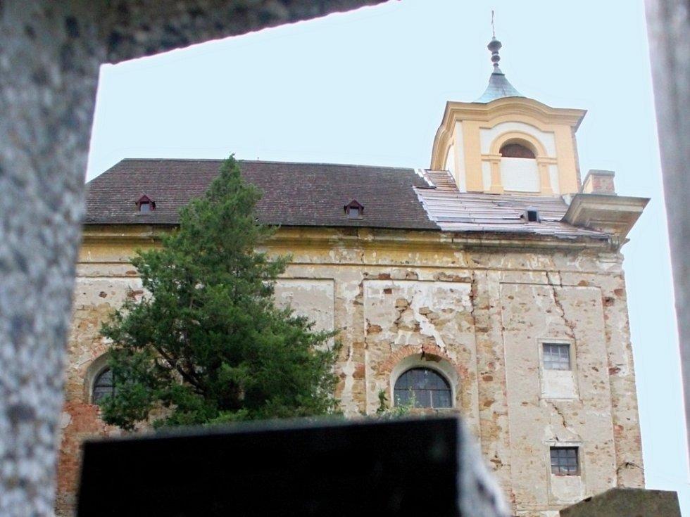 Kostel sv. Barbory v Manětíně.