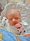Petr Moule se narodil 7. února ve 20:20 mamince Ivaně a tatínkovi Láďovi z Hodovíze. Po příchodu na svět v plzeňské fakultní nemocnici vážil jejich prvorozený syn 2910 gramů a měřil 46 centimetrů.