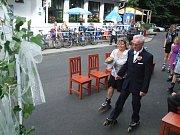 č. 19: Barbora a Jiří Pavlíkovi, Žichovice (Svatba: 14. června 2014)