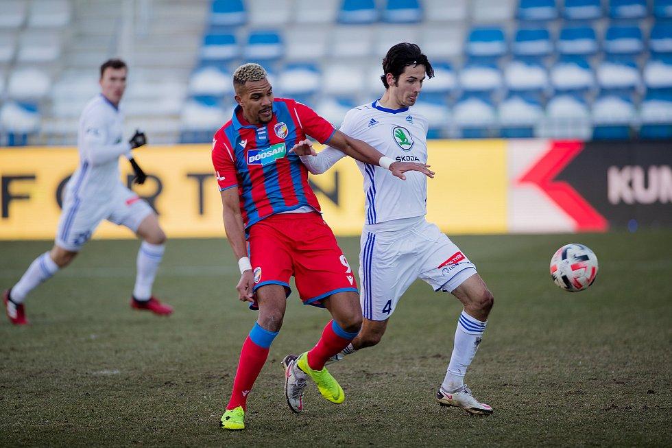 Francouzský útočník Jean-David Beauguel v utkání s Mladou Boleslaví (2:2).