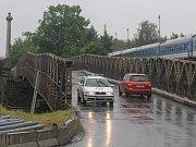 Povodeň v Plzni. Most v Jateční ulici