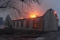 Požár restaurace v Bezvěrově na severním Plzeňsku