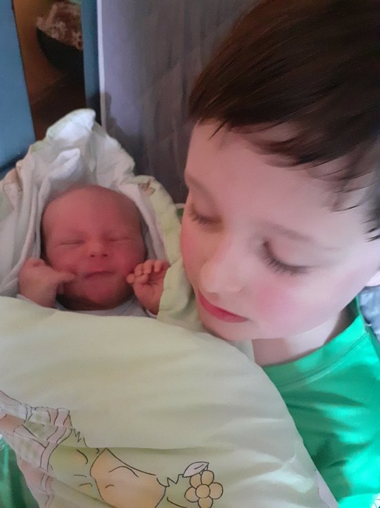 Jan Zdeněk z Nalžovských Hor se narodil v klatovské porodnici 1. dubna 2021 v 9:30 hodin (3190 g, 49 cm) mamince Zuzaně a tatínkovi Františkovi. Doma na malého brášku čekal brácha Fanda.