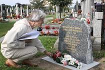 Položením květin uctily Štěnovice památku sedmi zemřelých dětí italských a slovinských běženců, kteří v průběhu 1. světové války přišli do obce na základě nařízení