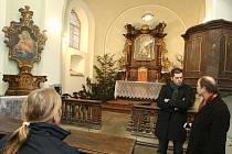 Poprvé po několika desetiletiletích se lidé mohli v sobotu dopoledne podívat do hlavní lodě kostelíka U Ježíška v Plzni