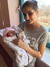 Sofie Strnadová se narodila 15. března ve 14:23 mamince Kláře Mandové a tatínkovi Petrovi z Plzně. Po příchodu na svět v plzeňské FN vážila jejich dcerka 2880 gramů a měřila 47 centimetrů.