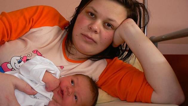 Simoně Ondrejkové a Petru Bátovi z Pláně se 1. 2. ve 4.18 hod. narodila ve FN v Plzni prvorozená dcera Natálie (3,72 kg, 50 cm)