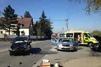 Nehoda dvou aut v Červeném Hrádku