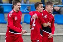 Takhle se fotbalisté Petřína radovali proti Doubravce na podzim z vyrovnávací branky. Kolikrát budou slavit v sobotu?