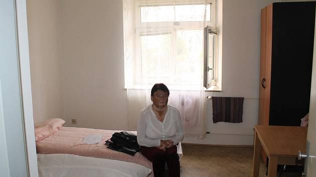 Přišla o bydlení ve vyhořelé ubytovně.
