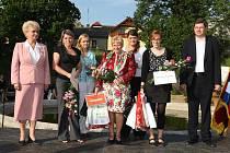 Na cenu Křesadla 2010, jejíž patronkou je hejtmanka Milada Emmerová, bylo nominováno přes třicet lidí z našeho kraje. Z hlavních a zvláštních cen včetně mimořádného ocenění se těšilo však jen sedm vybraných