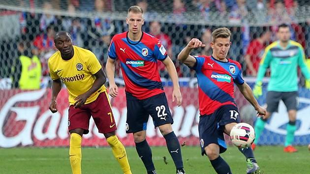 Jan Baránek (s číslem 22) vstřelil úvodní gól zápasu se Spartou.