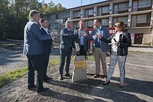 Slavnostní zahájení rekonstrukce městského sportovního areálu na Prokopávce.