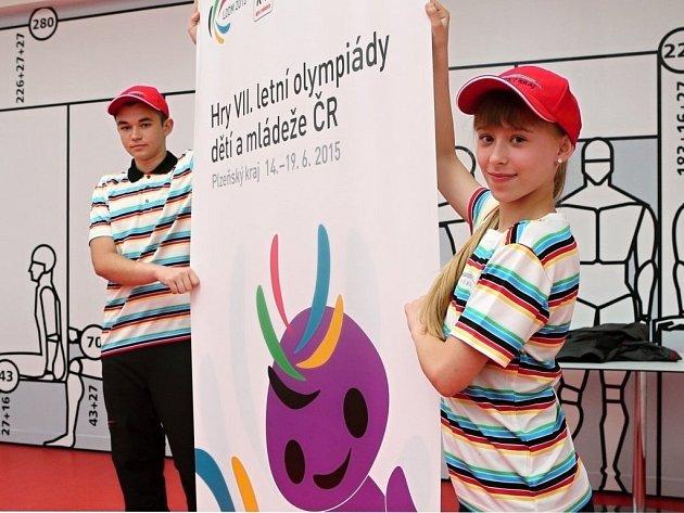 Mladí olympionici, kteří budou reprezentovat Plzeňský kraj, představili speciální kolekci oblečení.