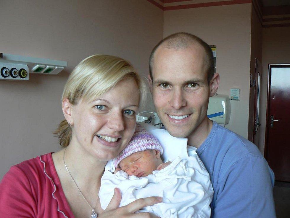 Terezka (2,68 kg, 48 cm) je prvorozená dcera Vlasty a Tomáše Rojkových zPlzně. Holčička přišla na svět 16. dubna ve 21.51 hod. ve fakultní nemocnici
