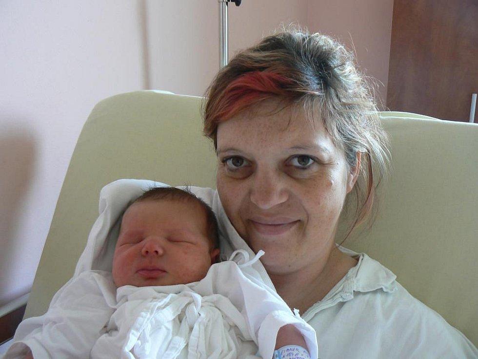 Ke tříletému Daníkovi přibyl Lence a Michalovi Eibnerovým zChodova druhý syn. Michal (3,95 kg, 51 cm) se narodil 18. dubna v9.17 hod. vplzeňské fakultní nemocnici
