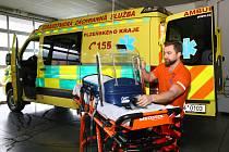 Přístroj zachraňuje miminka, záchranáři z Plzeňska ho mají jako jediní v ČR