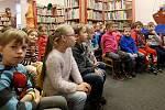 Předškoláci z mateřské školy na Roudné navštívili Knihovnu města Plzně. V rámci přípravy na vstup do první třídy knihovnice budoucí školáky provedly celým dětským oddělením a nastávajícím prvňáčkům ukázaly jaké knihy si mohou přijít vypůjčit.