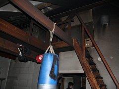 Požár podkrovního bytu v Plzni na Rokycanské třídě