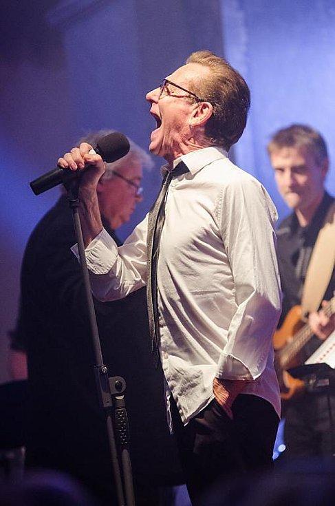 Rockové legendy zazpívaly ve Velké synagoze. Na snímku Graham Bonnet