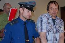 Jordan Žižkov Želev (vpravo) a Pavel Korábečný (v pozadí vlevo)