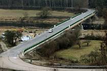 Dolanský most po rekonstrukci je od sobotního večera opět otevřený pro silniční dopravu.