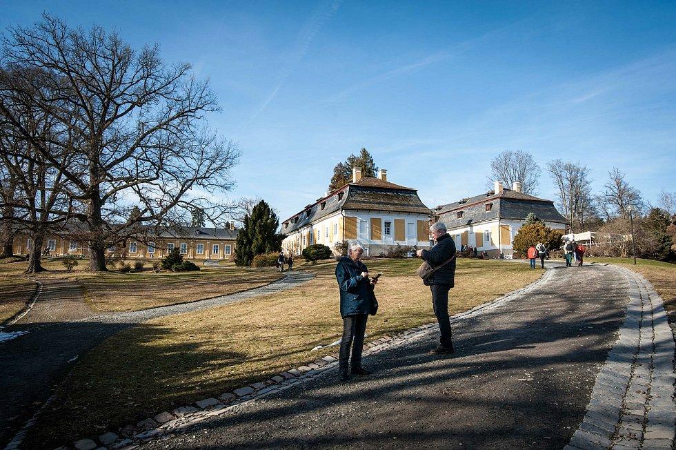 Zámecký park u zámku Kozel u Šťáhlavy byl v sobotu v obležení návštěvníků.
