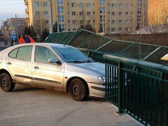 Dopravní nehoda v Plzni v Sušické ulici.