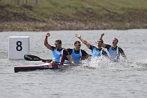 Obrovskou radost měla v cíli česká posádka s Radkem Šloufem (vpravo), která  vybojovala bronzové medaile.