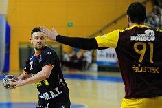 2. utkání play off extraligy házené mezi celky Talent Robstav M.A.T. Plzeň a HC Dukla Praha 15. dubna v Plzni.