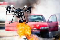 Plzeňští dronaři jsou českým unikátem, asistují u nehod i hledají ztracené lidi.