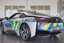 Automobil BMW i8.