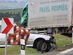Tragická nehoda se stala na silnici I/27 mezi Plasy a Hadačkou v místě zvaném Na Sokolce.