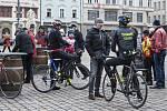 Novoroční vyjížďka cyklistů v Plzni.