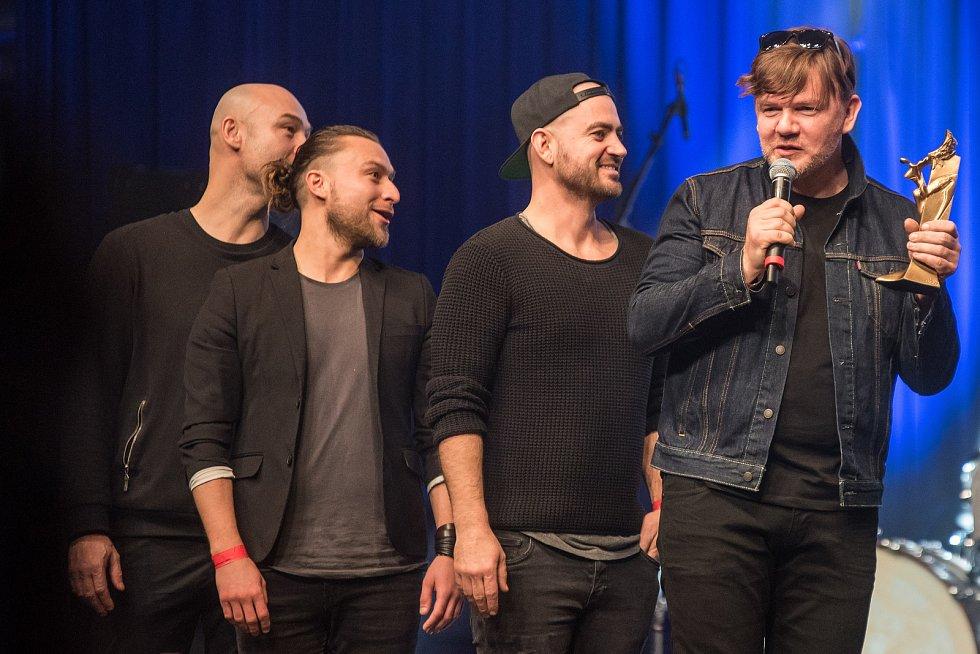 Michal Hrůza se umístil jako první v kategorii zpěvák a klip k písni Polárka vyhrál kategorii videoklip