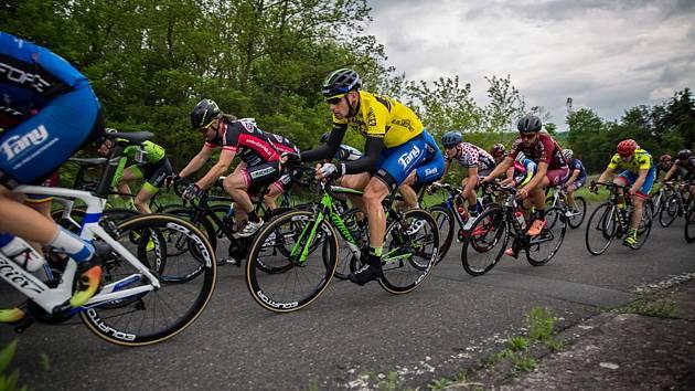 Kritérijní Giant liga pokračovala v Plzni šestým dílem. Vítězství si v Grand Prix Baxant vybojoval vedoucí muž série Martin Boubal z CK Příbram Fany Gastro (na snímku ve žlutém dresu).