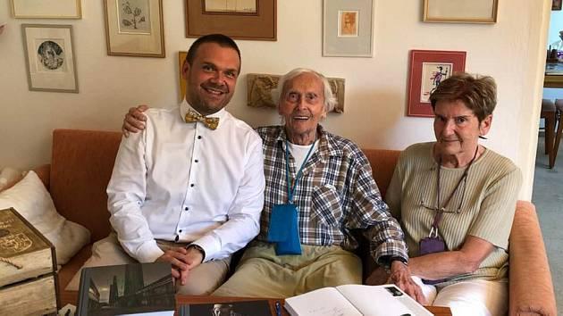 Martin Baxa popřál legendárnímu cestovateli ke stým narozeninám.