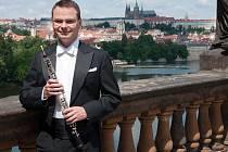 Sólo ve čtvrteční světové premiéře přednese s filharmoniky v Plzni jeho bratr Vratislav Vlna (vpravo)