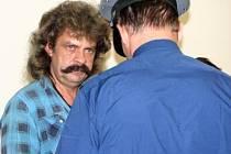 Miloslava Javůrka přivedla justiční stráž z vazby v Plzni na Borech