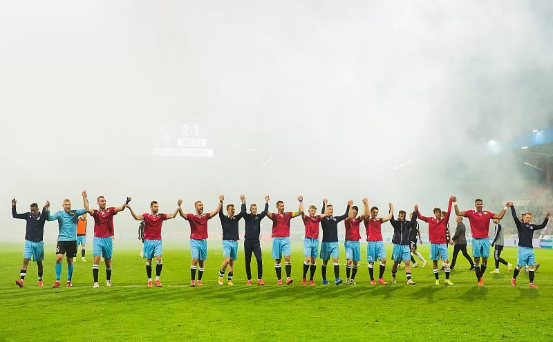 Fotbalisté Viktorie Plzeň porazili v 8. kole Fortuna: ligy České Budějovice. Západočeši k zápasu nastoupili v rámci oslav 110. výročí založení klubu v retrodresech.
