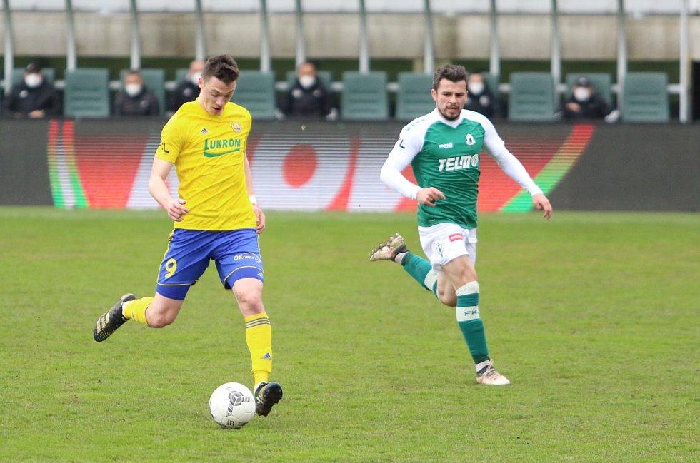 Naopak z hostování v Mladé Boleslavi a Zlíně se vrací do přípravy Dominik Janošek.
