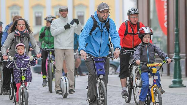 Jarní Velká cyklojízda na náměstí Republiky v Plzni